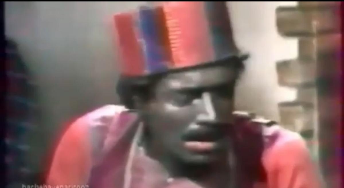 علی نصیریان: سیاهی چهره حاجی فیروز ربطی به نژادپرستی ندارد + ویدئو