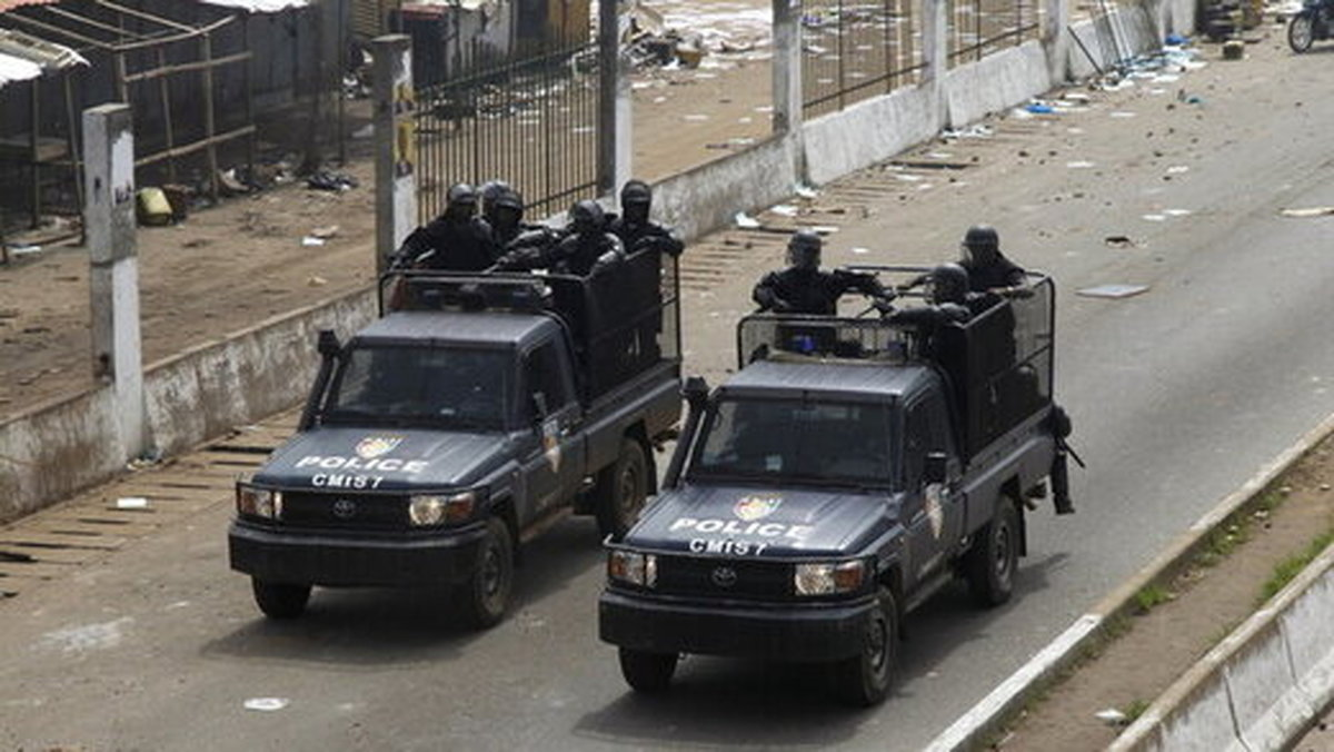 کودتا در گینه  بازداشت فرمانده کل ارتش و رئیس پلیس گینه