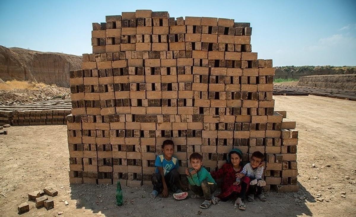 زندگی کارگران در کنارکوره های داغ آجرپزی