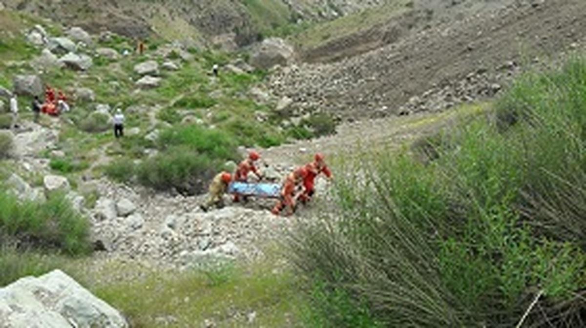 گردشگر کرمانی به دلیل سقوط از کوه جان باخت