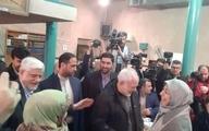 تصویری از عارف و همسرش، محسن هاشمی و ظریف در پای صندوق رأی