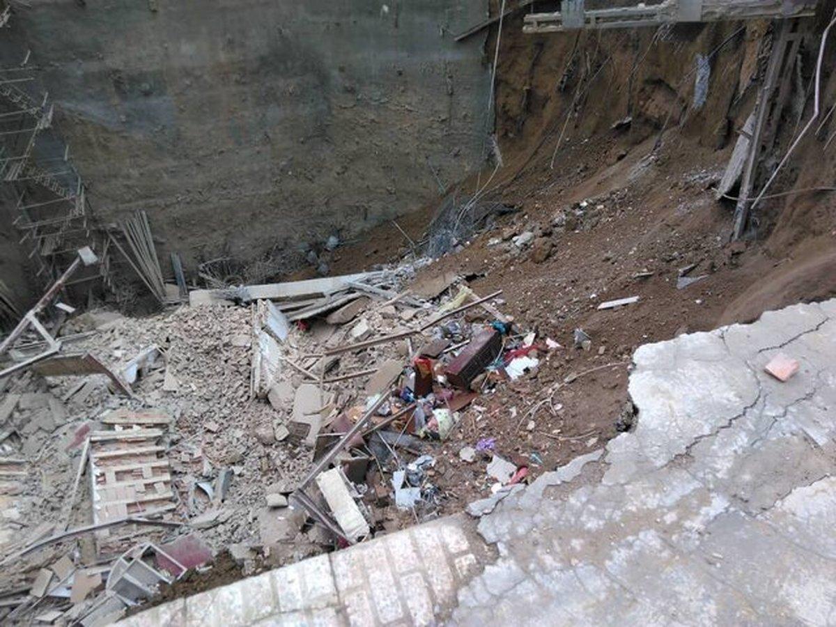 تغییر روند عملیات در حادثه ریزش یک ساختمان در خیابان ابوذر تهران