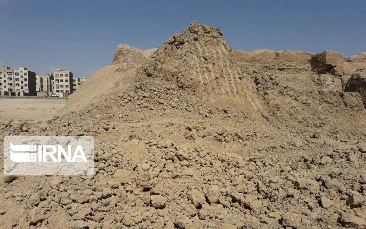 میراث فرهنگی: تپه باستانی «پوئینک» را با بیل مکانیکی تخریب کردهاند