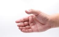 علت عرق کردن کف دست چیست؟