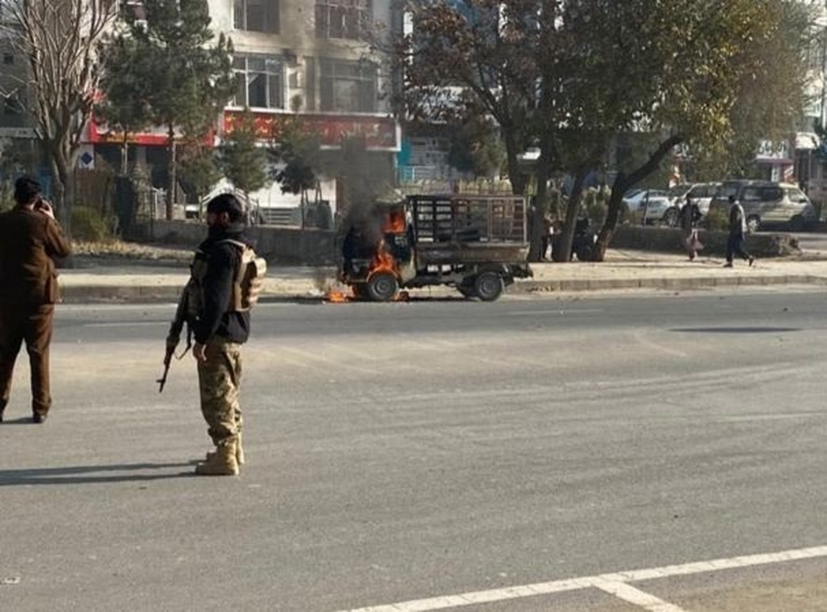 پرتاب ۱۴ موشک به کابل |  ۳ نفر کشته و ۱۱ نفر زخمی شدند | یکی از موشکها در سفارت ایران فرود آمد
