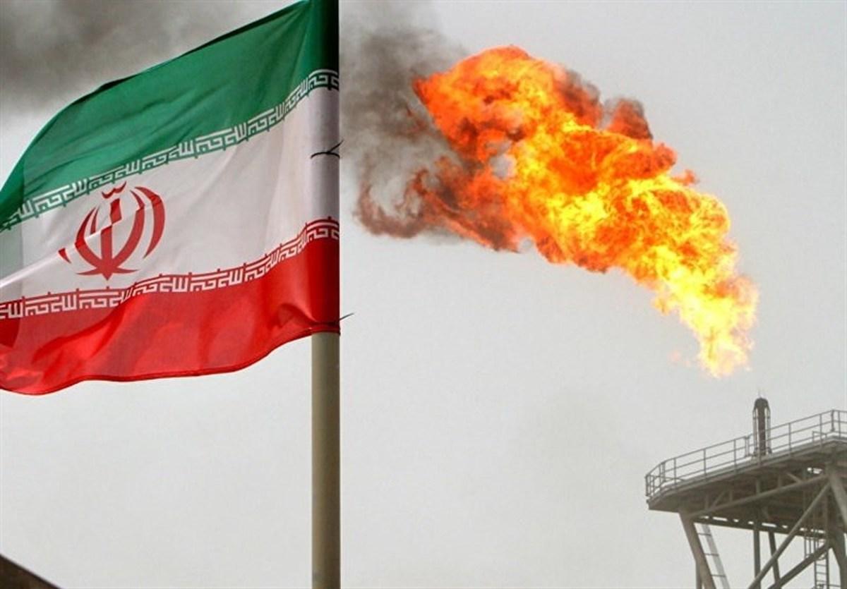 اویل پرایس: ایران علیرغم تحریمها ۵۰۰ هزار بشکه در روز نفت صادر میکند