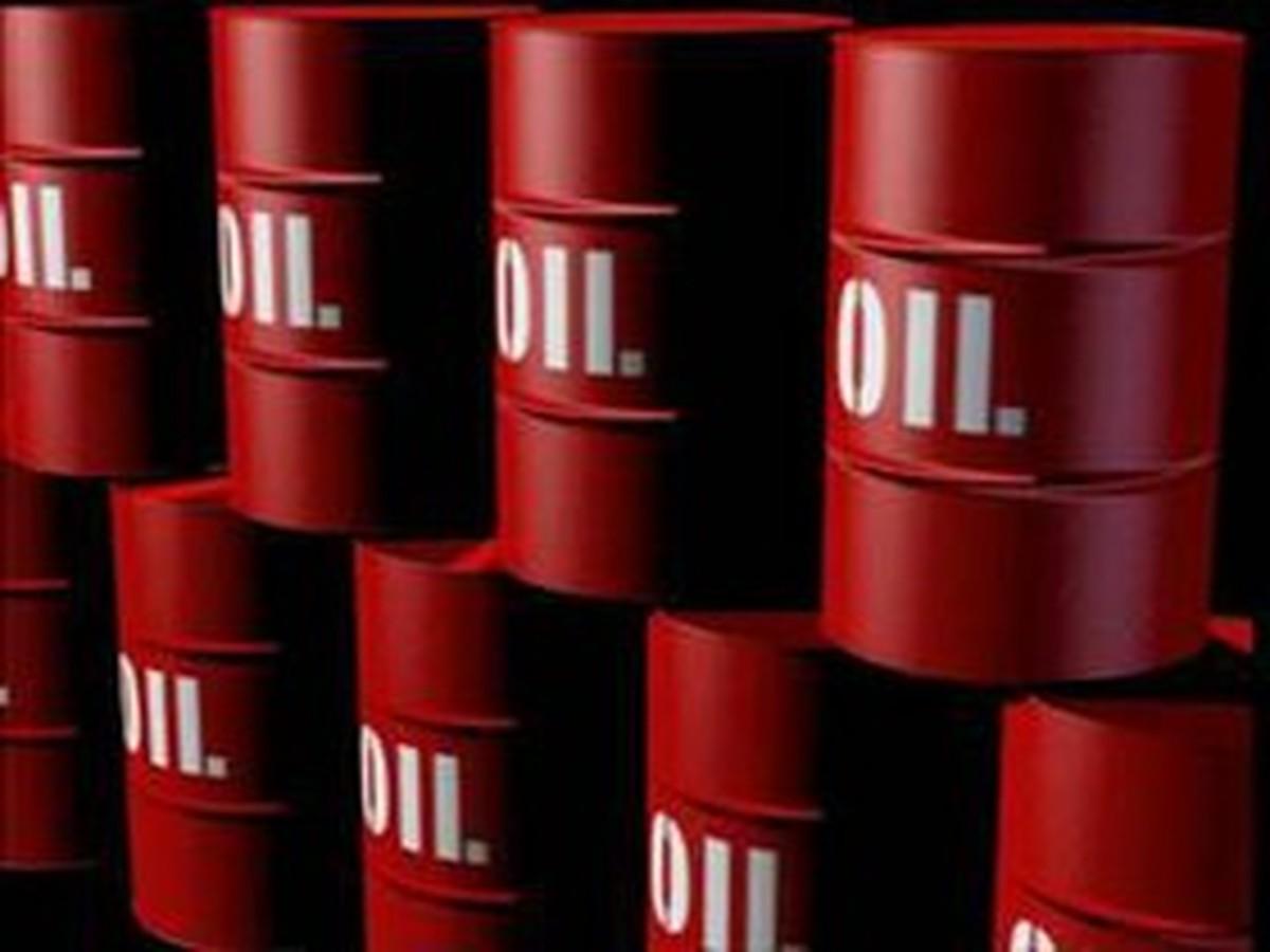 افزایش بهای نفت با تضعیف اسکناس سبز