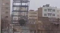 سقوط اسکلت فلزی ساختمان در حال ساخت + ویدئو