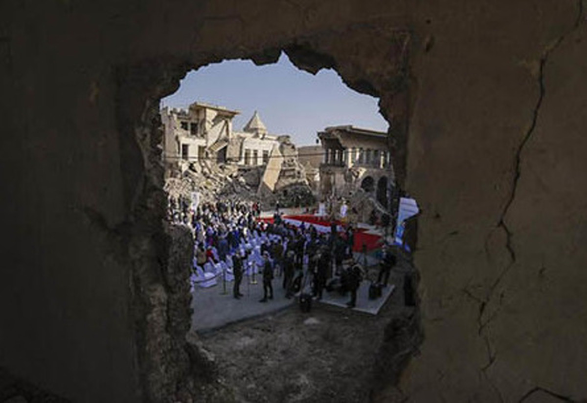 عکس های جالب از پاپ در ویرانههای موصل  پاپ فرانسیس در موصل چه کار می کند؟