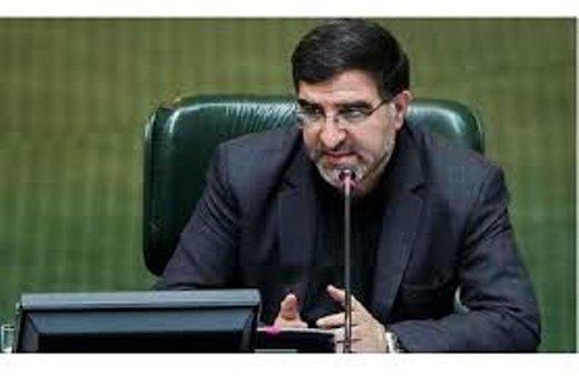 واکنش عضو هیات رئیسه به درخواست جدید وزیر بهداشت برای تمدید تعطیلات مجلس