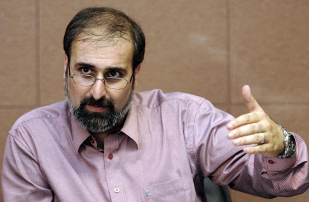 داوری: احمدینژاد به طور جدی به فکر  فروپاشی نظام است