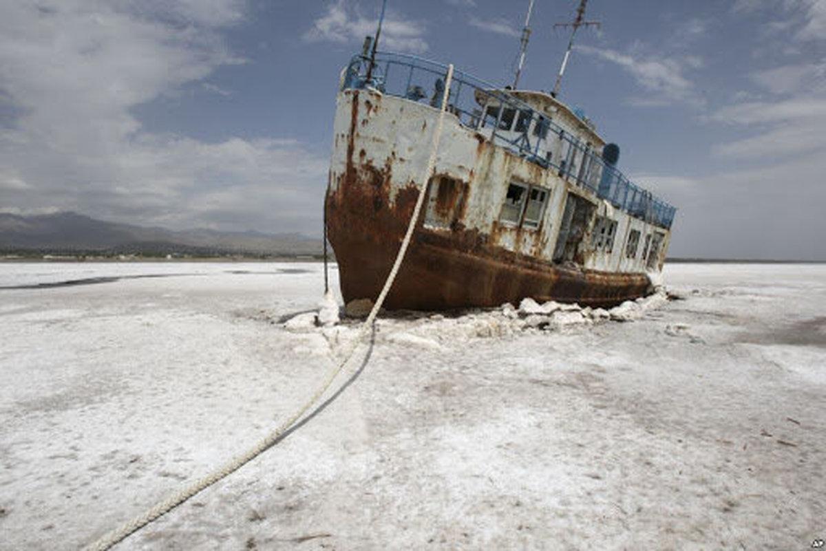 دو راهی پایانی دریاچه ارومیه  |  سدسازی و خشکی، یا کشاورزی پایدار و احیا؟