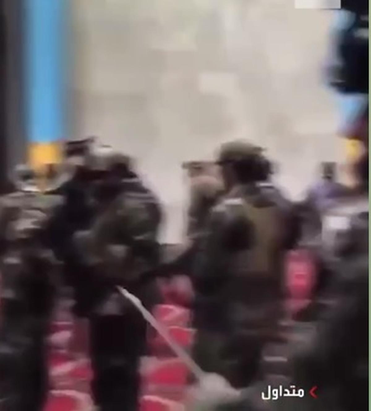 نیروهای طالبان با لباسها و تجهیزات نظامی آمریکایی بجامانده از ارتش افغانستان ! + فیلم