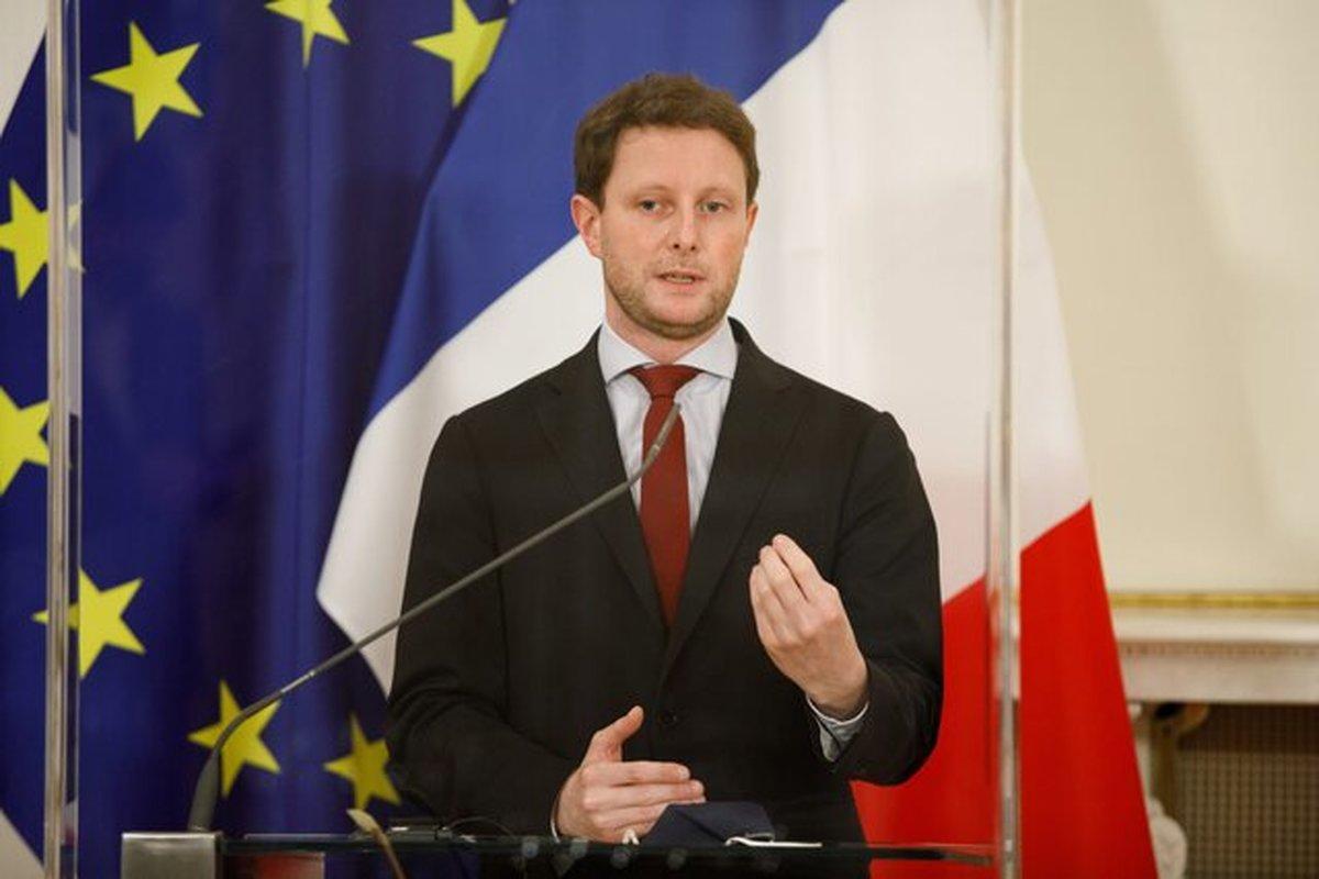 فرانسه قصد دارد زبان انگلیسی را از نشستهای اتحادیه اروپا حذف کند