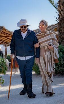 امیر سابق قطر چه میکند؟ +عکس