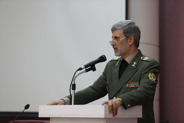 وزیر دفاع: هیچ جنایتی در نزد ملت ایران بی پاسخ نخواهد ماند