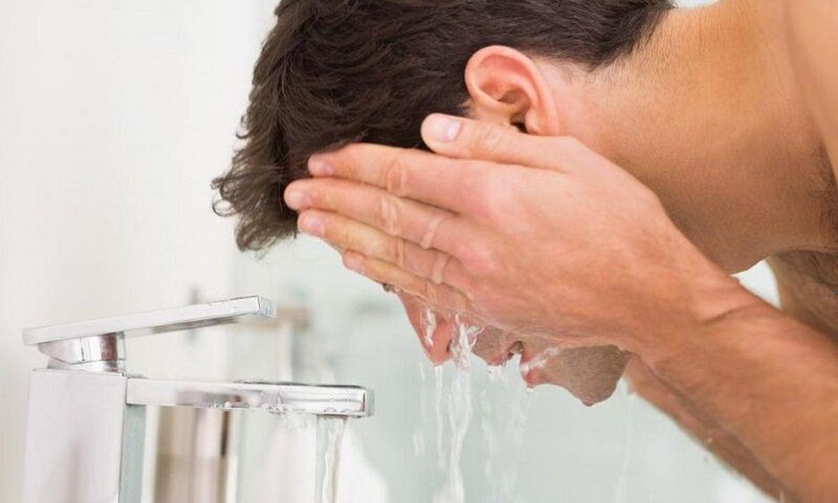 ضرورت شست وشوی چشمها با آب گرم در دوران کرونا