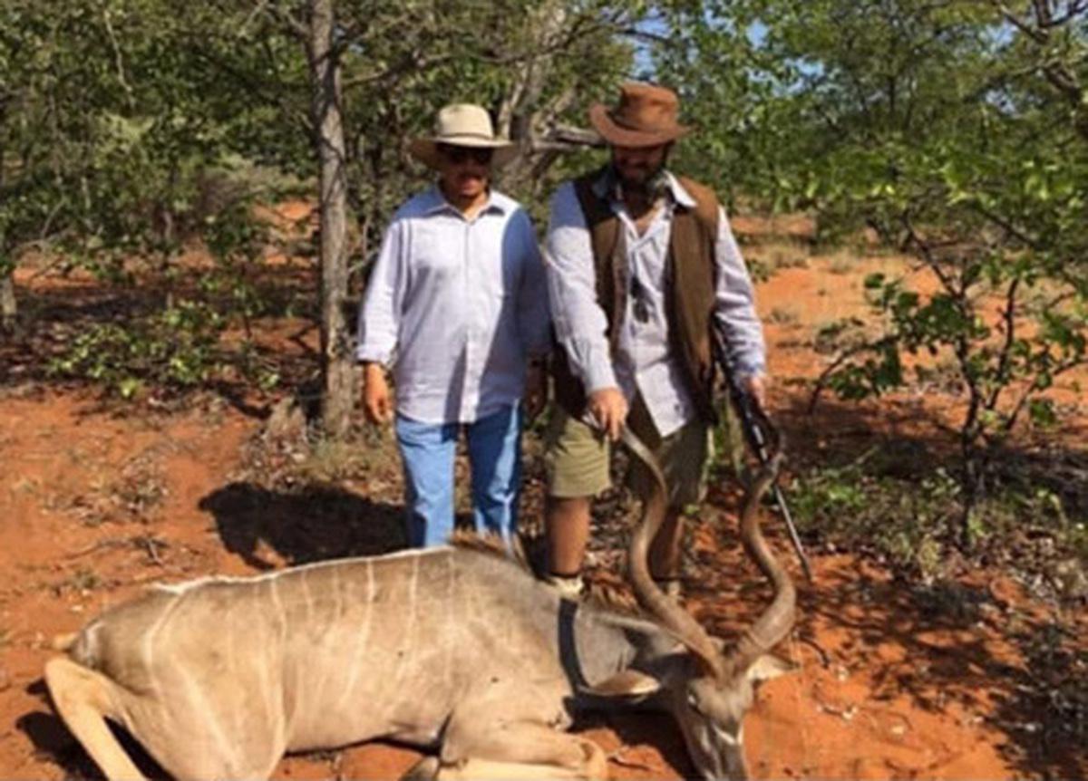 عکس جنجالی محمد بن سلمان در حال شکار غزال| محمد بن سلمان در جنگل های آفریقا چه کار می کند؟