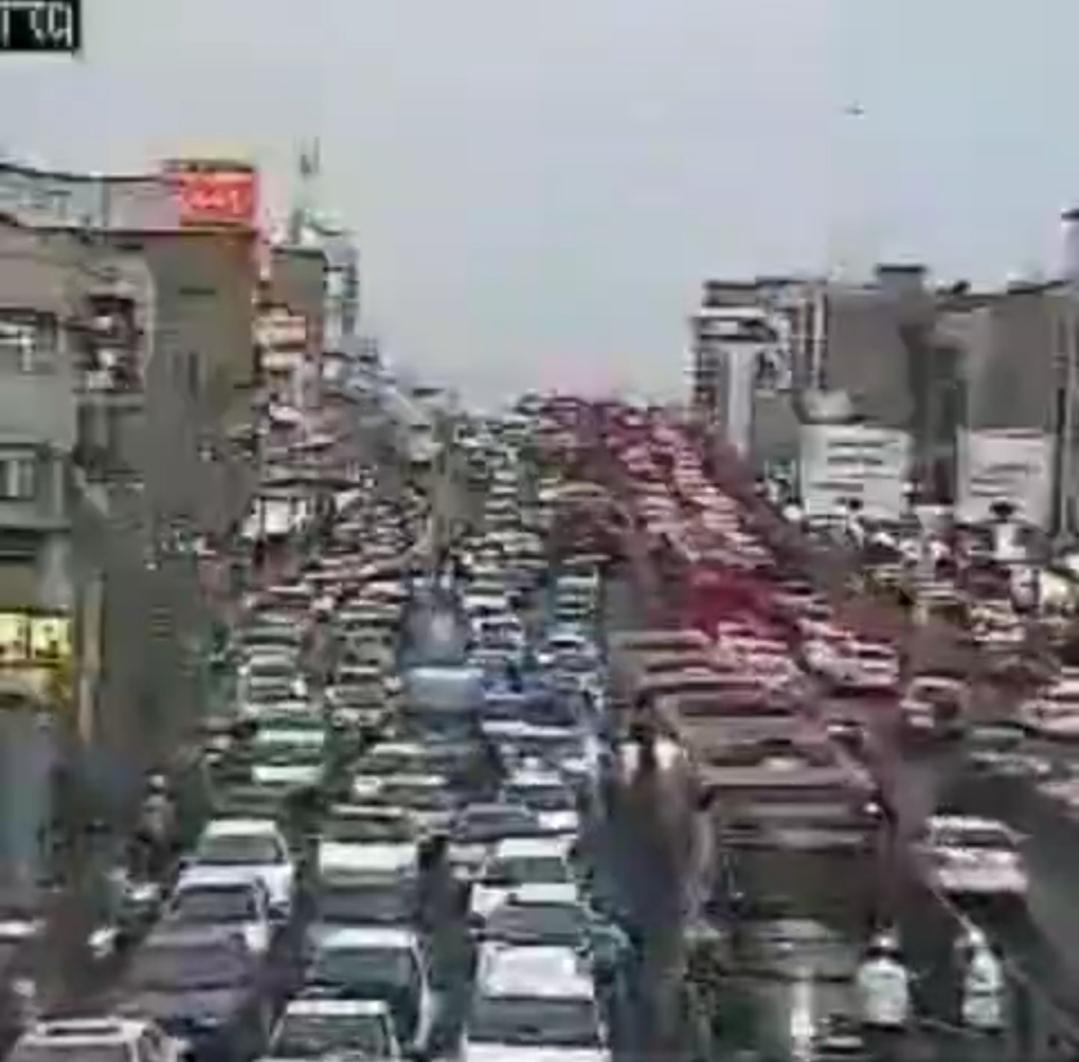 لحظه درگیری نماینده مجلس با سرباز راهور + ویدئو