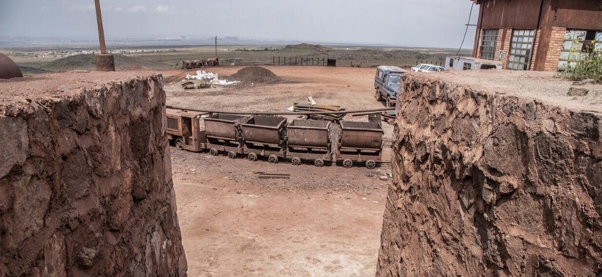 هلال احمر       نجات سه محبوس شده در معدن منگنز قم