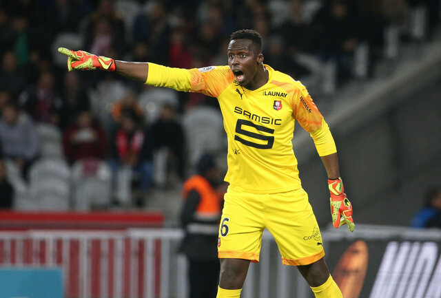 فوتبال   |   ادوارد مندی دروازهبان سنگالی  با تیم چلسی به توافق رسید