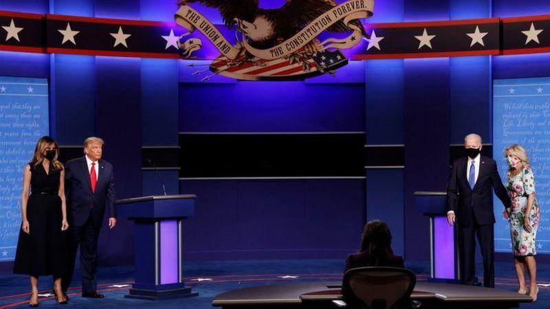 مناظره انتخاباتی  |   میان ترامپ و بایدن آخرین مناظره انتخاباتی برگزار شد.