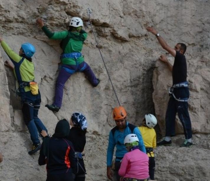 کوهنوردی اصفهان  | محدودیت برای سنگنوردی بانوان