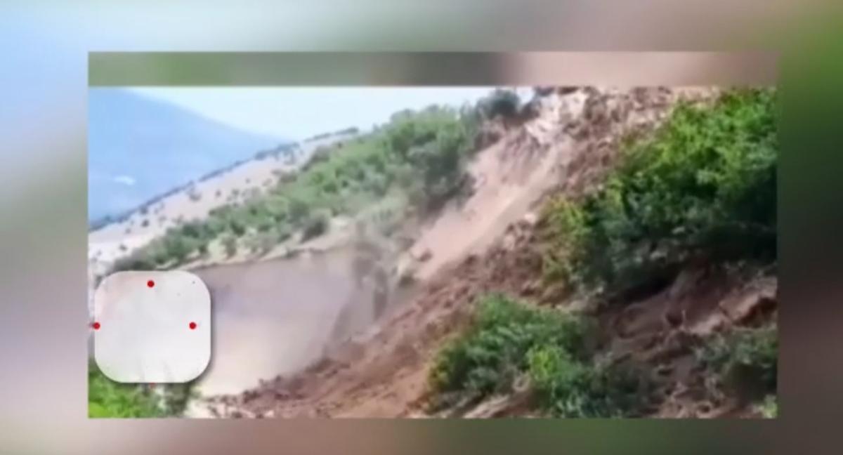 لحظه رانش زمین روستای خرشک رودبار در گیلان + ویدئو