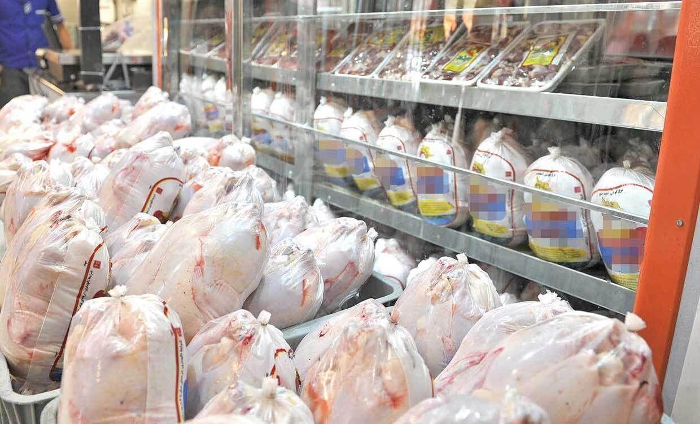مرغ به قیمت ۲۰ هزار و ۴۰۰ تومان در خردهفروشیهای تهران عرضه میشود
