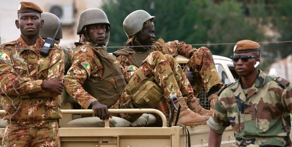 کودتا در مالی |  رئیسجمهور و نخستوزیر وقت آزاد شدند