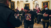 نشست کنگره آمریکا شروع نشده تعلیق شد |  هواداران ترامپ وارد ساختمان کنگره شدند |   ۲ نفر در اتقافات کنگره کشته شد|   برقراری حکومت نظامی در واشنگتن |  نشست کنگره آمریکا از سر گرفته شد