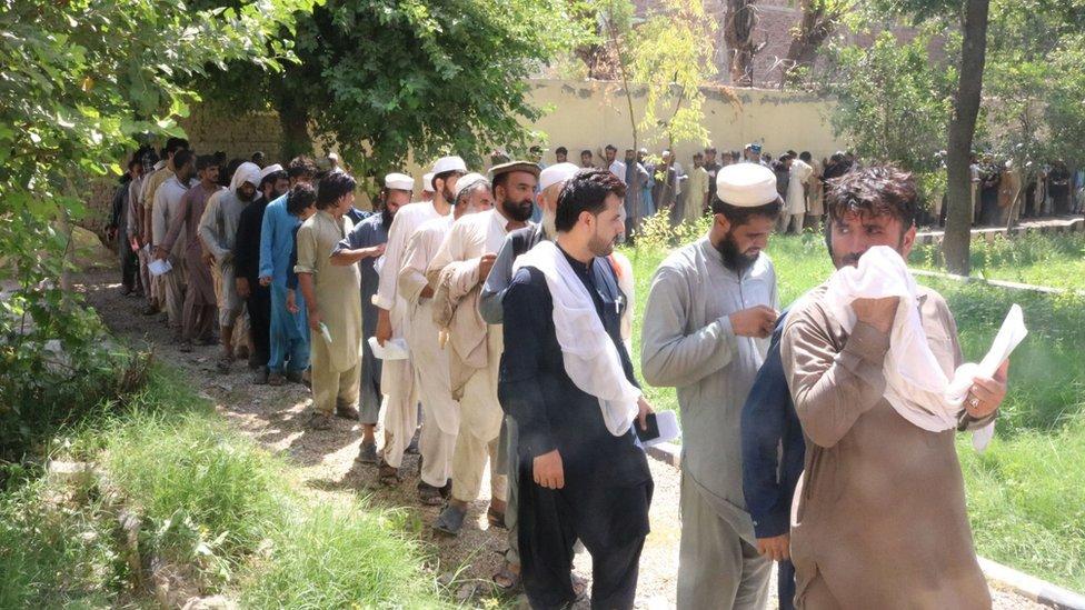 دستکم ۱۱ کشته به دلیل ازدحام برای گرفتن ویزای پاکستان در شرق افغانستان