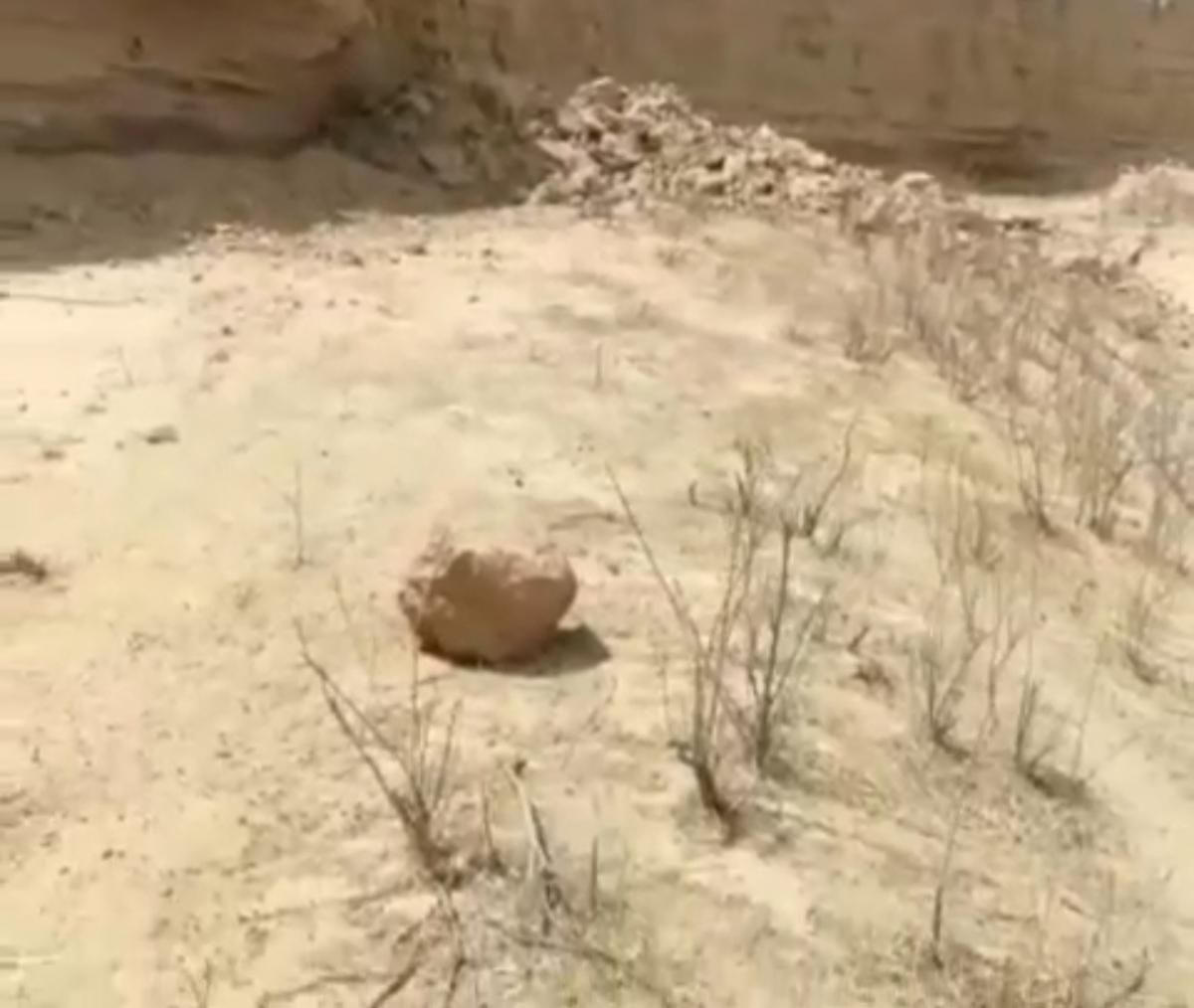 لحظه وقوع زلزله در کنار کوههای شول گناوه + ویدئو
