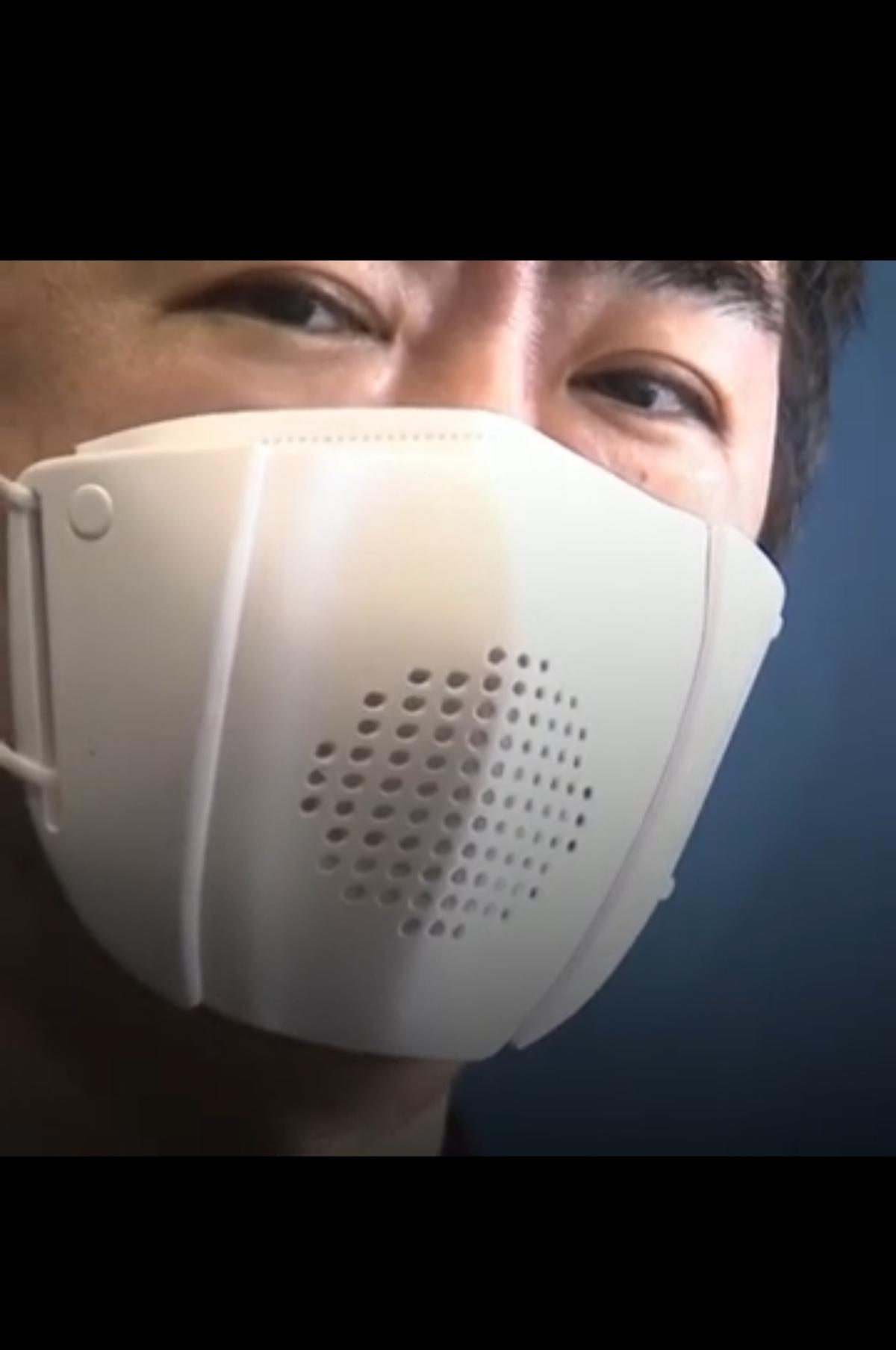 ساخت ماسک جدیدکه می تواند به تلفن همراه متصل شود + ویدئو