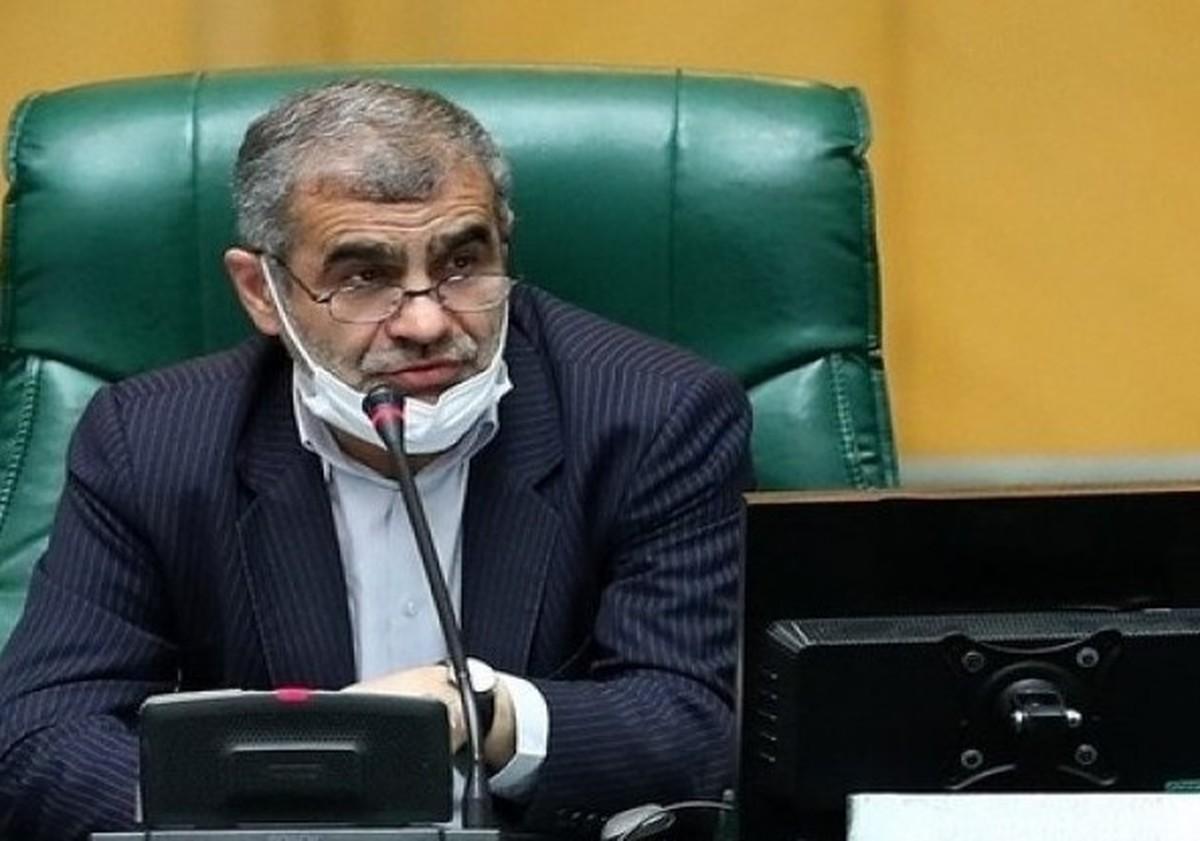 نیکزاد: روی صندلی نمایندگان ننشینید! | حاشیه امروز مجلس با سخنان نیکزاد