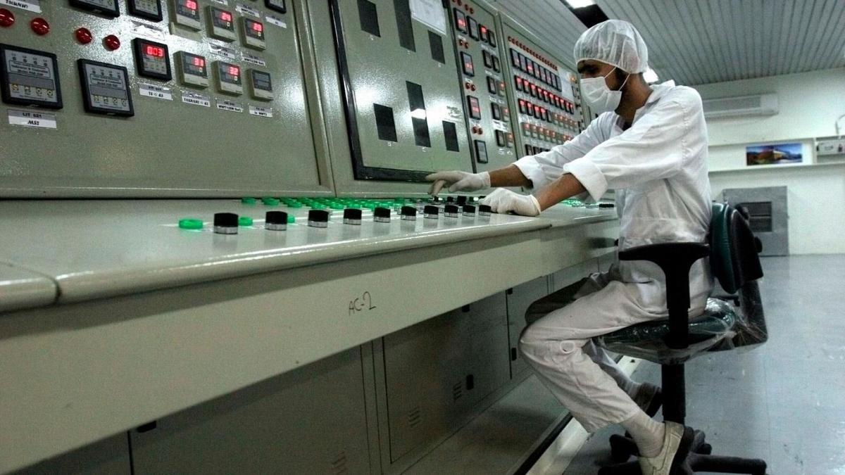 رویترز به نقل از آژانس: ایران در صدد تولید فلز اورانیوم با غنای ۲۰ درصد است
