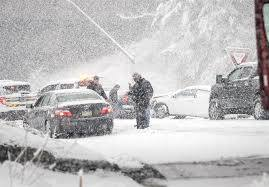 برف و کولاک     انسداد راه 192 روستا در قزوین بر اثر بارش برف و کولاک