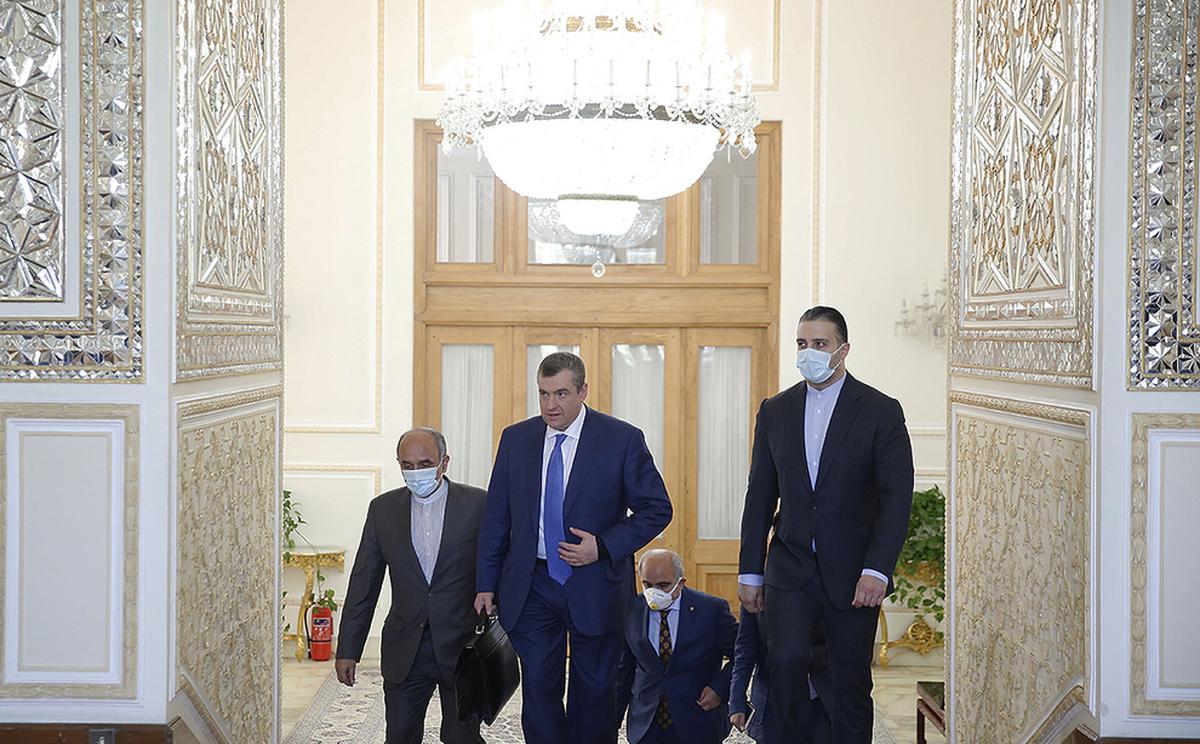 رئیس کمیته روابط خارجی دومای روسیه با ظریف دیدار کرد. (تصاویر)