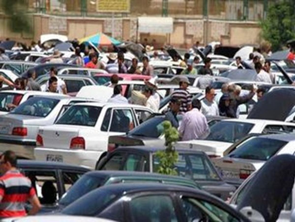 دلالان و سودجویان در افزایش قیمت خودرو نقش دارند
