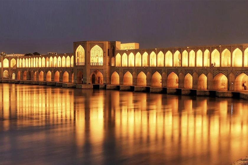 با این روند آبی، اصفهان تا ۱۰ سال آینده خالی از سکنه میشود