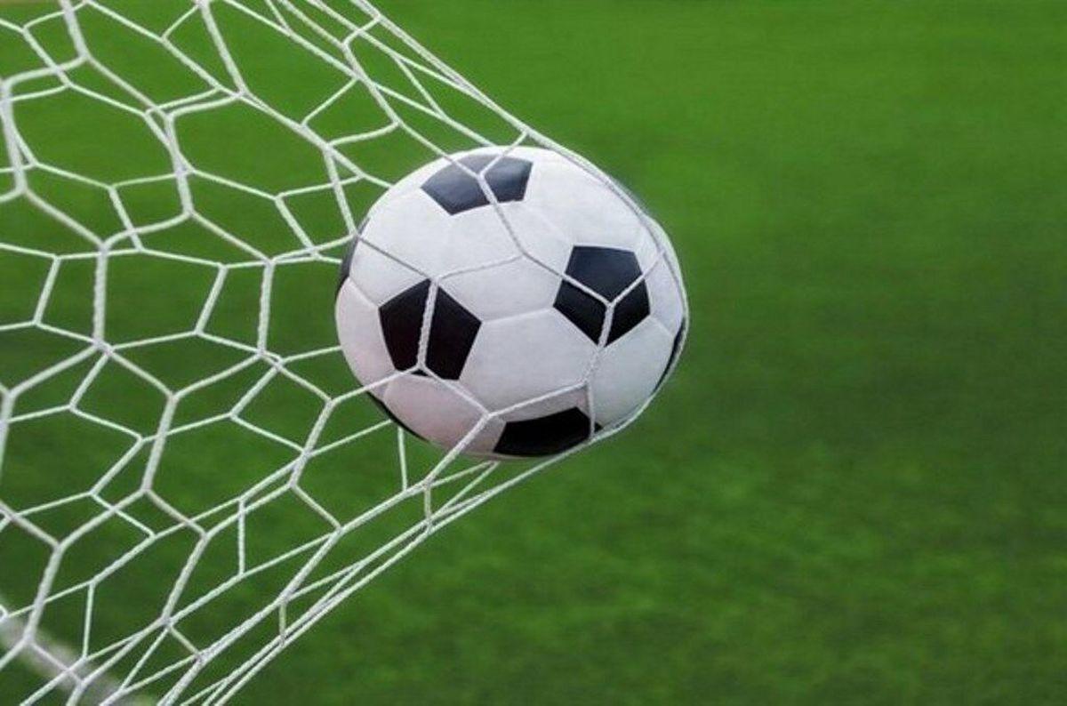 فوتبالیها نمیگیرند!