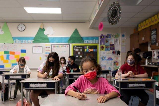 ضرورت استفاده از ماسک در مدارس آمریکا همچنان باقی است