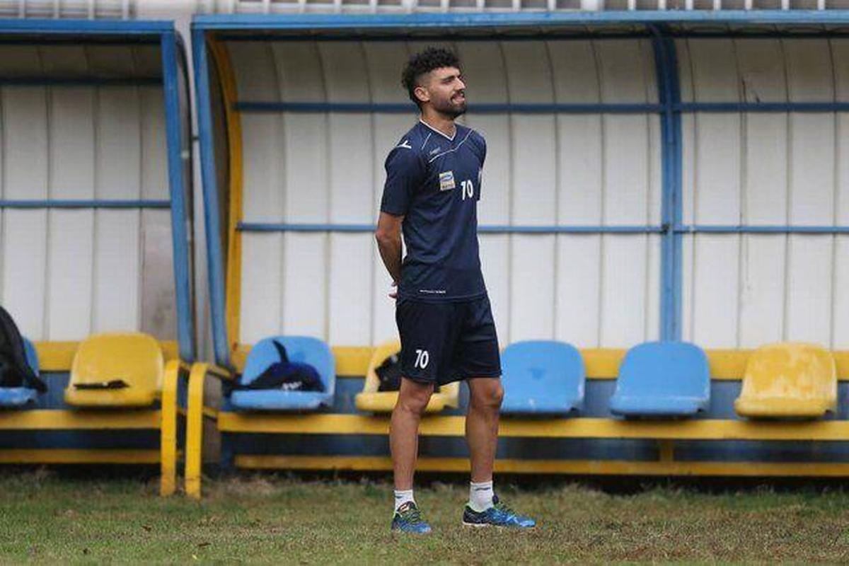 فوتبال   |   دانشگر با استقلال دوساله تمدید کرد