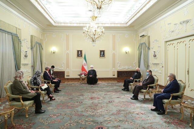 دستور روحانی به وزارت صمت برای نظارت دقیق بر قیمت کالاها در ایام پایانی سال