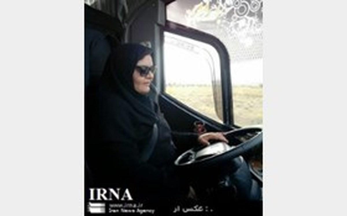 برای نخستین بار یک زن راننده اتوبوس مسافربری برون شهری در گناباد ش