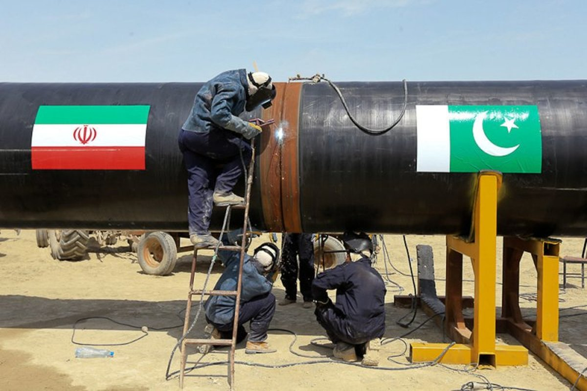 عمران خان مانع تراشی آمریکا بر سر خط لوله گاز ایران را رفع کند