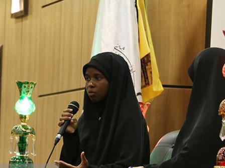 دختر شیخ زکزاکی: پدرم یک سال پس از پیروزی انقلاب، در سفر به ایران با امام خمینی دیدار کرده بود