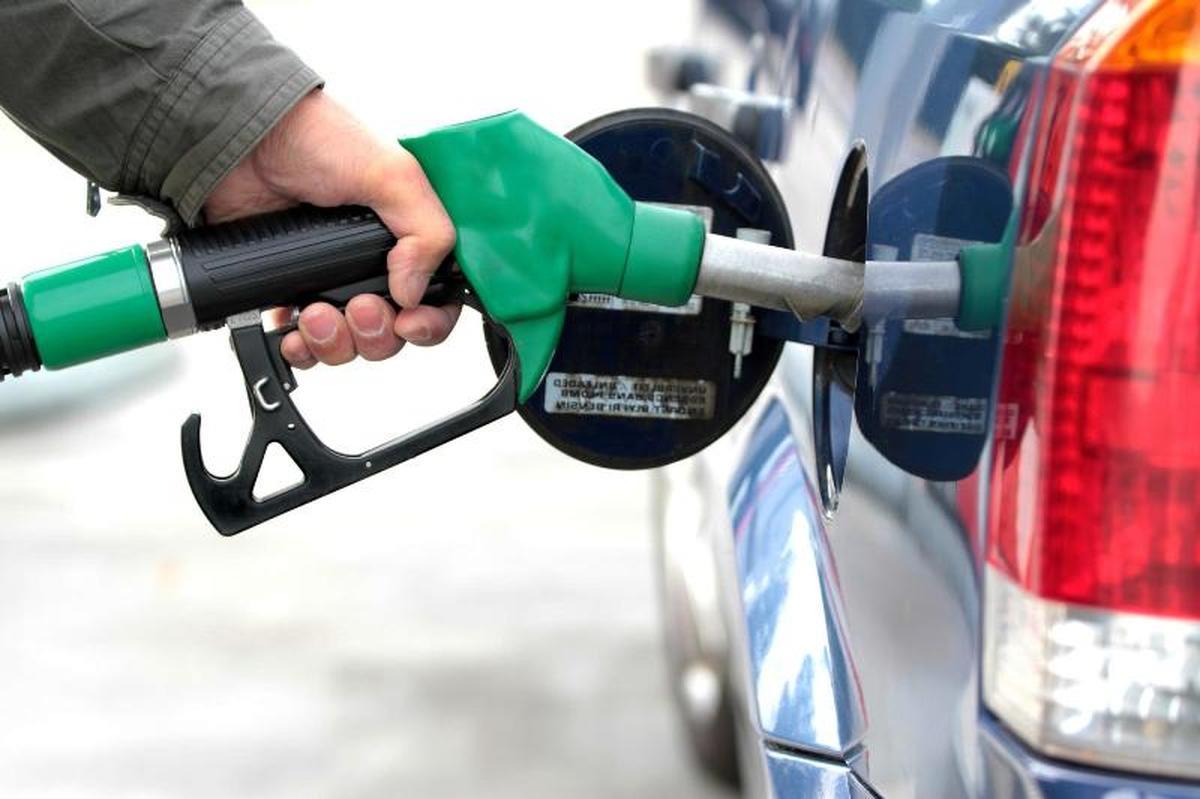 کاهش سهمیه جایگاهها گام دوم سهمیهبندی بنزین