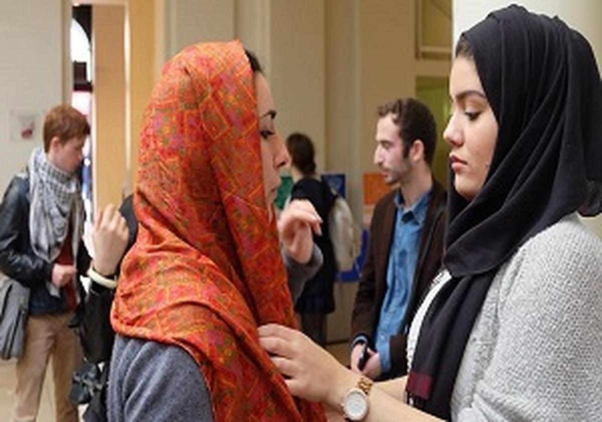 آیا داشتن حجاب در محیط کار در اروپا ممنوع میشود؟