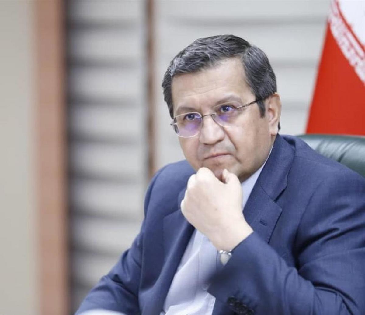 عبدالناصر همتی:  من به آقای رئیسی احترام ویژه قائلم اما ما اینجا رقیب هستیم